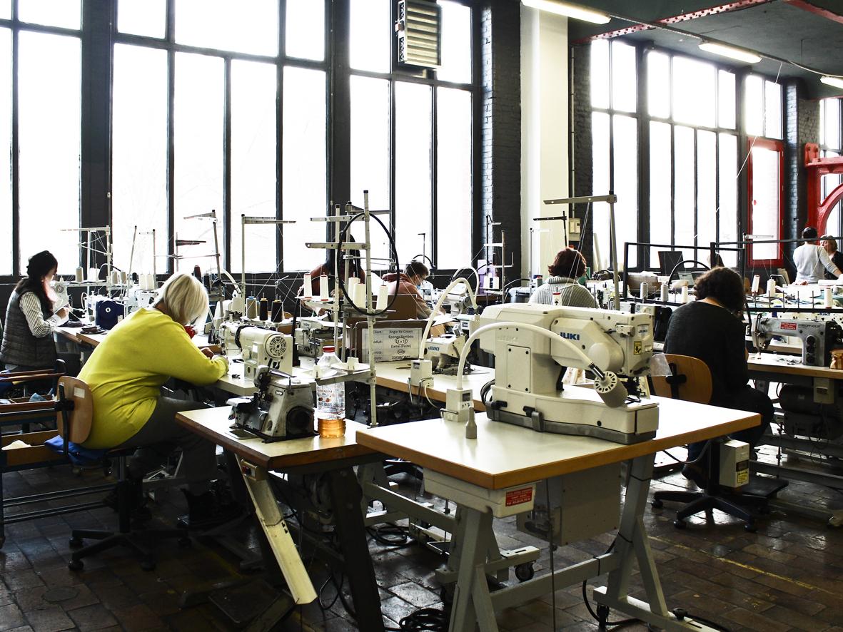 Les couturièr(e)s de l'Atelier Agile à Roubaix